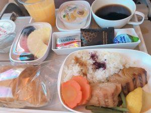 エミレーツ機内食